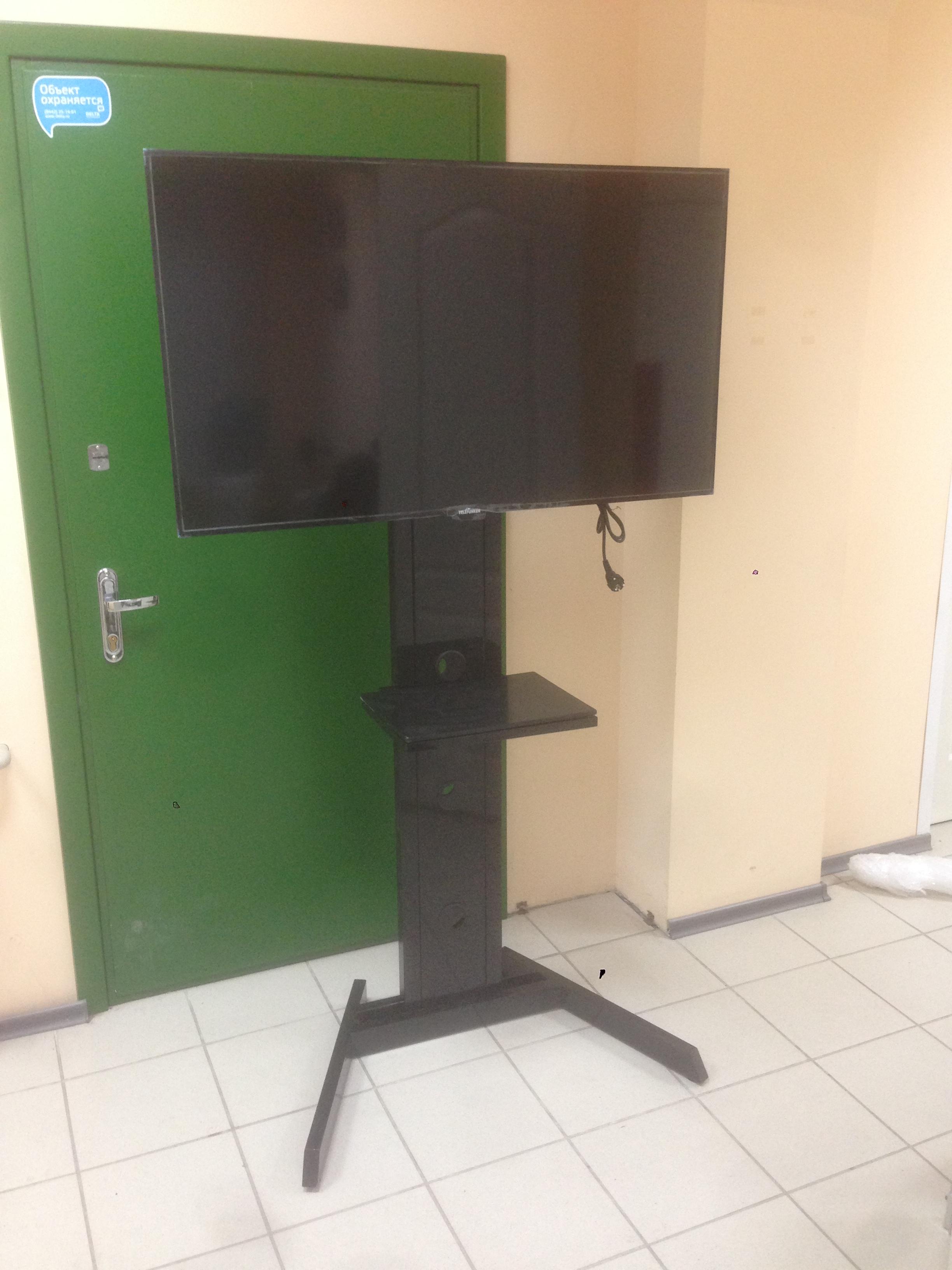 Аренда LCD панелей, аренда телевизоров, экраны на стойке, аренда с большой диагональю